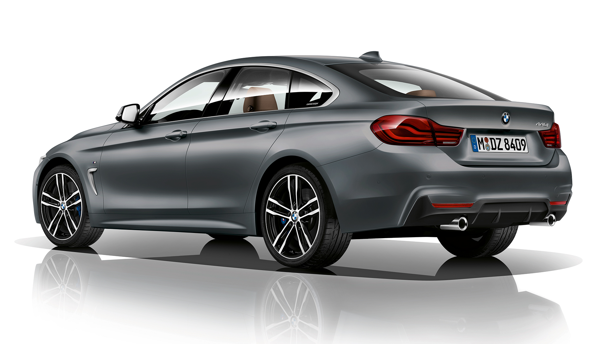 BMW 4 Series Gran Coupé,M Sport 後部四分之三角度影像