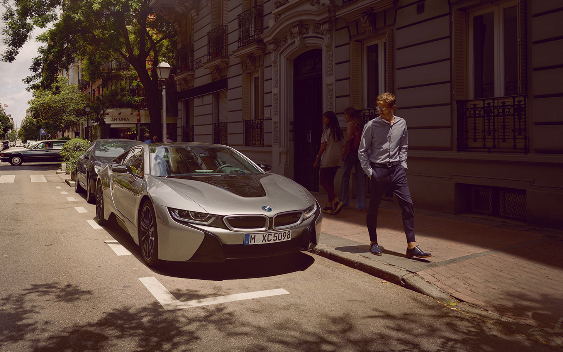 BMW i8 coupe images videos image 03